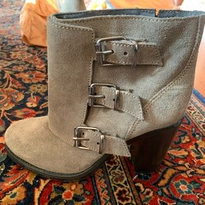 Gorgeous gray suede heeled boots